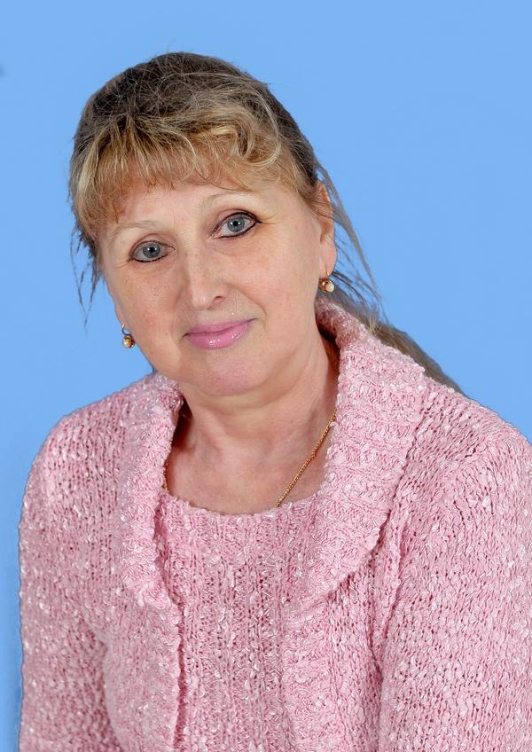 Галушкіна Олена Федорівна : машиніст прання білизни