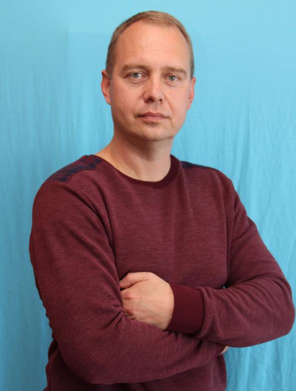 Бей Володимир Іванович : інструктор з фізкультури