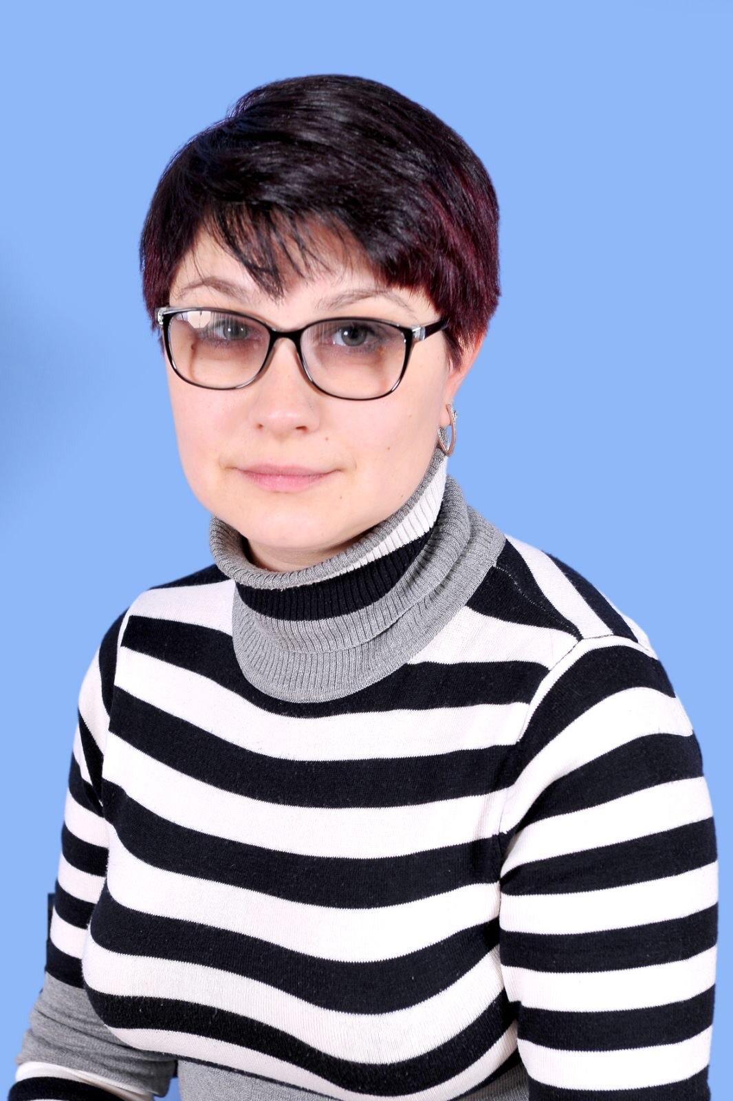 Олександра Олегівна Козиряцька : вихователь